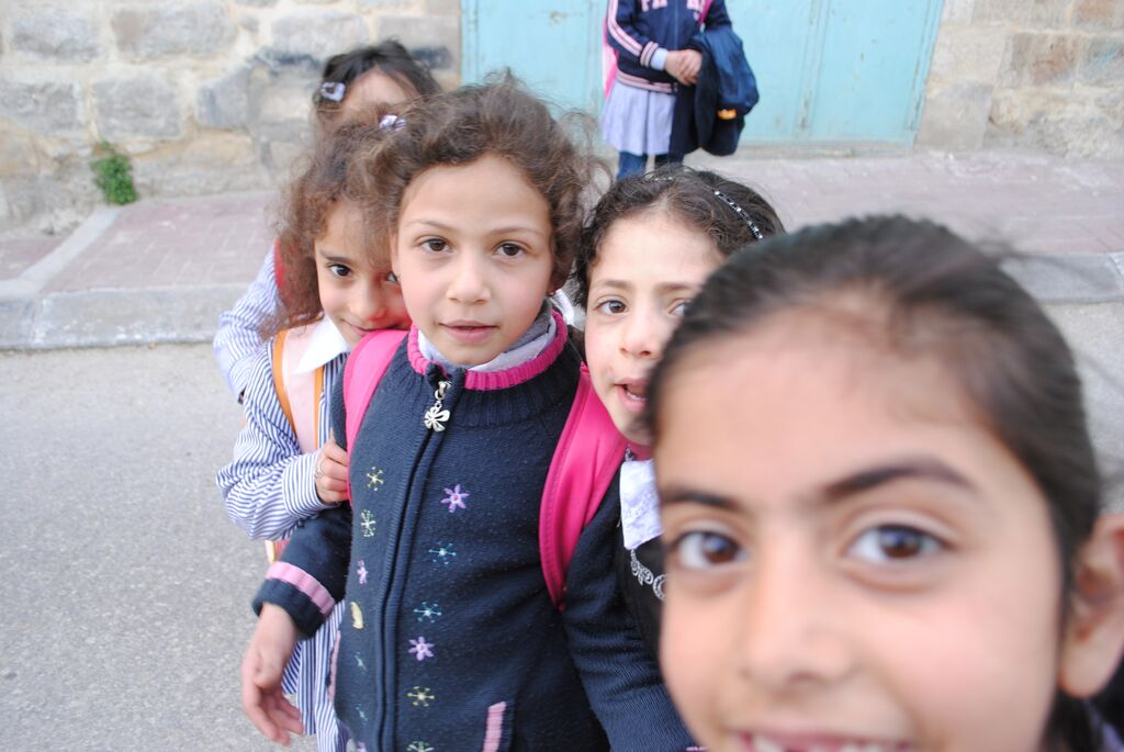 Tel Rumeida children